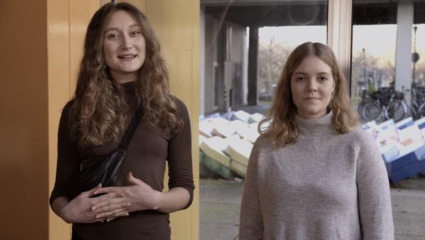Foto: Blickfang-Moderatorinnen Felicia Kret & Talea Rullkötter (von links) auf dem Campus.