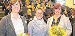 E-Learning-Label: Am Tag der Lehre wurden die Professorinnen Ilka Mindet (l.) und Rebekka Schmidt (r.) ausgezeichnet. Die Laudationes hielt Gudrun Oevel.